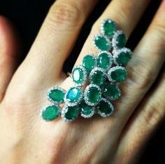 maximalist emerald and diamond ring Emerald Jewelry, Gems Jewelry, Bling Jewelry, Jewelery, Unique Jewelry, Vintage Jewelry, Jewelry Accessories, Jewelry Design, Emerald Rings