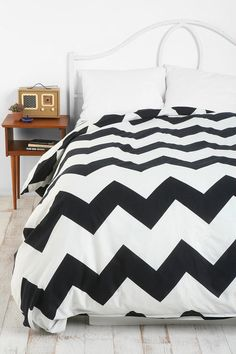 Black Chevron Duvet...would be so cute with hot pink sheets and pillows for a real pop of color!