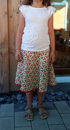 GagaYa: Erdbeerrock für große Mädchen.
