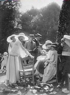 Summer party - ca. 1917