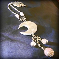 Argento, quarzo rosa, porcellana