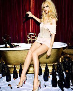 @claudiaschiffer by Ellen Von Unwerth #ellenvonunwerth #barbie #champagne