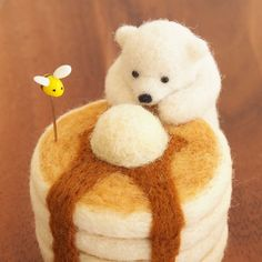 Penguins-Cooks and Sandwiches with Surprise: Felted Miniatures by Trois M, фото № 12 Wool Needle Felting, Needle Felting Tutorials, Needle Felted Animals, Felt Animals, Nuno Felting, Felt Diy, Felt Crafts, Kawaii, Felt Dolls