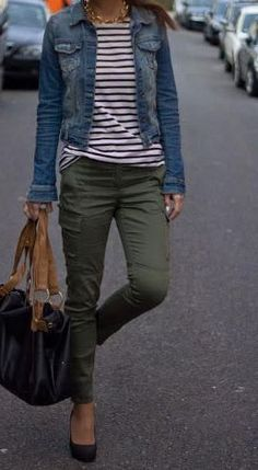 Style Spacez: 15 Cheap Blue Denim Jacket Outfit Ideas for Fall Blue Den. - Style Spacez: 15 Cheap Blue Denim Jacket Outfit Ideas for Fall Blue Denim Jacket These lis - Blue Denim Jacket Outfit, Oversized Denim Jacket, Olive Pants Outfit, How To Wear Denim Jacket, Jacket Jeans, Outfits With Olive Pants, Cute Jean Jacket Outfits, Denim Shirt Outfits, Capri Pants Outfits