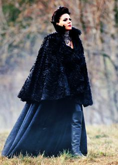 Lana Parrilla as Regina Mills and the Evil Queen/OUAT Regina Mills, Once Upon A Time, Regina Ouat, Queen Outfit, Swan Queen, Outlaw Queen, Good And Evil, Time Photo, Captain Swan