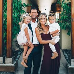 Weddings are all about family fun 💓 is rocking the Godshaw Maxi in Merlot Chiffon Bridesmaid Dresses, Wedding Dresses, Family Photos, Rustic Wedding, Laughter, Chiffon, Cousins, Celebrities, Amazing