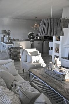 shabby chic living. love it!