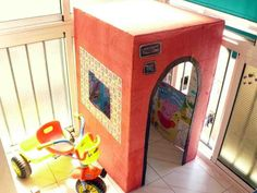Cardboardbox house. Upciclado: casita de cartón