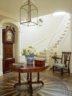 Designer Anthony Baratta and architect Ernest Schieferstein. Entry Stairs, Entry Foyer, Foyer Decorating, Colonial Decorating, World Of Interiors, Traditional Interior, Architect House, Cottage, Shabby
