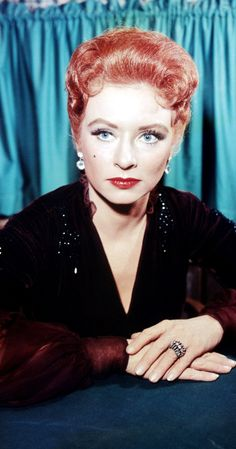 Amanda Blake, Date of Birth20 February 1929, Buffalo, New York, USA Date of Death16 August 1989, Sacramento, California, USA  (liver failure brought on by viral hepatitis, which was AIDS-related.)
