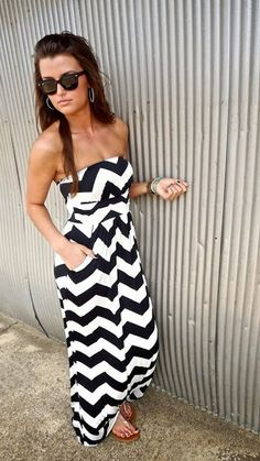 Maxi dress with pocket looking fabulous | Fashion and styles