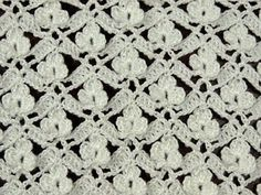 This video shows how to work the crochet flower lattice stitch so that you can make a scarf.Lots of video tutorial Crochet patterns - in spanish Crochet Stitches Patterns, Crochet Chart, Lace Patterns, Crochet Patterns Amigurumi, Crochet Motif, Crochet Flowers, Crochet Lace, Stitch Patterns, Crochet Kids Scarf
