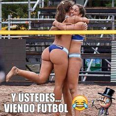 Y Ustedes Viendo Futbol http://chiste.cc/1UOoIwS #Chistes #Humor