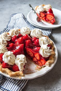 Make this Fresh Strawberry Pie without Jell-O before summer is over! A classic buttery crust gets loaded with juicy, fresh strawberries coated in a strawberry glaze made from scratch and then topped with plenty of sweetened whipped cream. Strawberry Recipes For Summer, Fresh Strawberry Pie, Strawberry Tarts, Stawberry Pie, Strawberry Pie Recipe Without Jello, Strawberry Pie Fillings, Blueberry Jello Recipes, Fresh Strawberry Glaze Recipe, Fruit Pie