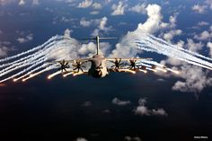 Dropping flares. The A400M Atlas will present a survivability in electronic warfare environment with a full range of self-defense systems. (Photomontage)