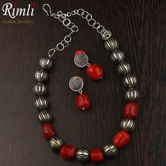 A casual neck-piece with oxidized balls & Tibetan corals. Tribal Jewelry, Indian Jewelry, Beaded Jewelry, Silver Jewelry, Beaded Necklace, Beaded Bracelets, Chennai, Tibetan Jewelry, Oxidised Jewellery