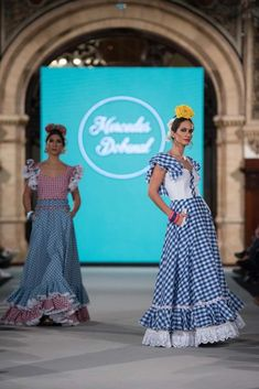 Mercedes Dobenal - We Love Flamenco 2018 - Sevilla Hijab Fashion, Fashion Show, Fashion Design, Beach Wedding Guests, Spanish Fashion, Beautiful Dresses, Vintage Fashion, Gowns, Formal Dresses