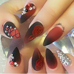 negro y rojo pedreria stiletto  rosas 300