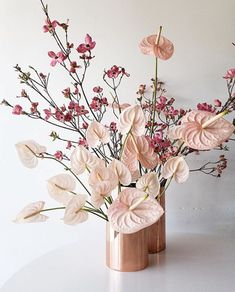 Goodbye awkward anthurium arrangements of years past. Cutting edge designers are achieving a fresh look using stems of anthurium in soft colors. Pink Flower Arrangements, Vase Arrangements, Floral Centerpieces, Dried Flowers, Pink Flowers, Floral Wedding, Wedding Flowers, Arte Floral, Ikebana