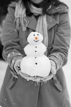 Reminds me of a little snowman Sarah made when she was a little girl.  When it began to melt she began to cry. Her Aunt made her one of cloth