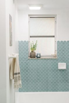 68 Cheap Bathroom Makeover - How to Do It Yourself on a Budget 14 - dougryanhomes Cheap Bathroom Makeover, Cheap Bathroom Remodel, Cheap Bathrooms, Diy Bathroom Reno, Bathroom Ideas, Delta Bathroom, Condo Bathroom, Bathroom Closet, Bathroom Inspo