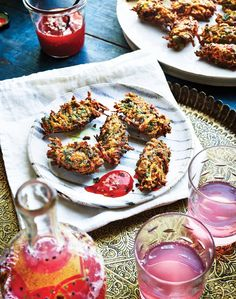 The vegetarian recipes in Sabrina Ghayour's book, Bazaar, include this delicious recipe for Turmeric, Spinach and Sweet Potato Fritters. Sweet Potato Fritters, Tomato Rice, Sweet Chilli Sauce, Cookery Books, Stuffed Sweet Peppers, Beignets, Wine Recipes, Foodies, Vegetarian Recipes