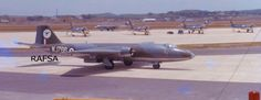 A Canberra of taxying in at RAF Tengah after joint exercise. RN Scimitars are parked on Javelin dispersal. Air Force Aircraft, Ww2 Aircraft, Military Jets, Military Aircraft, English Electric Canberra, Singapore Photos, Experimental Aircraft, Royal Air Force, Vintage Pictures