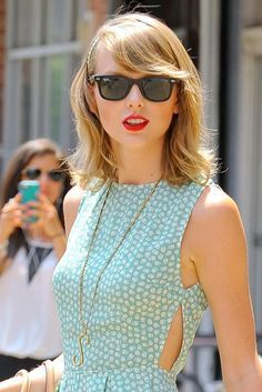 Taylor Swift in @raybanofficial