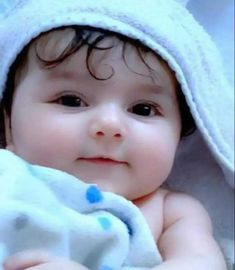 Cute Baby Boy Photos, Cute Little Baby Girl, Cute Kids Pics, Baby Boy Pictures, Sweet Baby Names, Muslim Baby Names, Cute Baby Girl Wallpaper, Naughty Kids, Cute Babies Photography