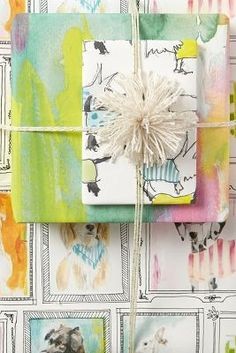 wrapped gift | bow wow wrapping paper | Do - DIY