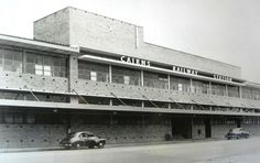 1950s. Cairns Railway Station. Photo by courtesy of Aussie~mobs, Flickr. https://www.flickr.com/photos/hwmobs/15899266879. Public domain.