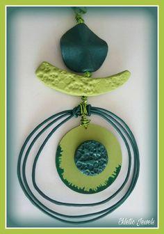 Guarda questo articolo nel mio negozio Etsy https://www.etsy.com/it/listing/467967476/handmade-rustic-clay-pendant-necklace