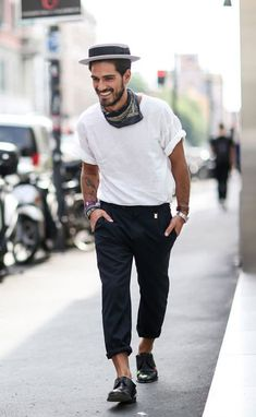 Discover men's clothing and accessories online with ASOS. Shop for men's fashion t-shirts, jeans, shoes & more. Stylish Mens Outfits, Casual Outfits, Fashion Moda, Mens Fashion, Streetwear, European Fashion, Neue Trends, Casual Looks, Menswear