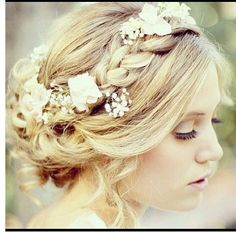 Lovely Hair Style For A Late Spring Early Summer Wedding Outside