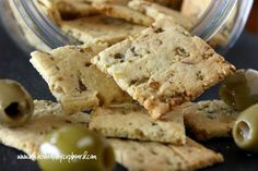 Olive garlic crackers: Savory, allergy friendly crackers are easy to make with this handy gluten free, wheat free, grain free recipe using coconut oil and almond flour. Keep some around as a snack or side to soups and stews! No Carb Recipes, Real Food Recipes, Snack Recipes, Cooking Recipes, Coconut Recipes, Healthy Cooking, Low Carb Appetizers, Low Carb Desserts, Tropical Appetizers