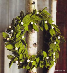 Roost Felt Mistletoe Wreath – Modish Store