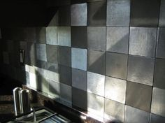 Traditional kitchen backsplash photos show that kitchen centerpiece can be very significant in creating amazingly beautiful kitchens. Traditional kitchen backsplash photos can be used as references in how to design backsplash with traditional style Kitchen Wall Tiles Design, Kitchen Backsplash Photos, Metal Tile Backsplash, Herringbone Backsplash, Kitchen Tiles, Tile Design, Backsplash Ideas, Tile Ideas, Tin Tiles