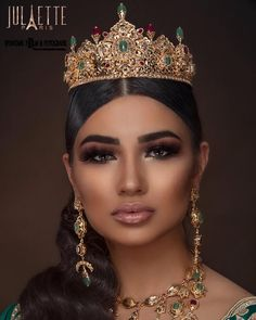 hooting with Photography by model mina amini makeupaddict Indian Wedding Makeup, Wedding Hair And Makeup, Bridal Hair, Moroccan Bride, Moroccan Caftan, Moroccan Party, Bridal Jewelry, Jewelry Art, Moroccan Jewelry