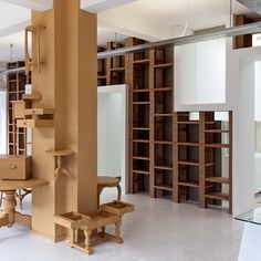 BYTR architects: emmaus second hand shop (pop up cardboard)