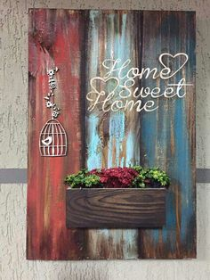 Lilian Martinez's media content and analytics Decoupage Vintage, Decoupage Art, Wooden Crafts, Diy And Crafts, Diy Wood Signs, Pallet Art, Wood Pallets, Painting On Wood, Wooden Signs