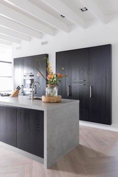 Awesome modern kitchen room are readily available on our website. Check it out and you wont be sorry you did. Rustic Kitchen Design, Interior Design Kitchen, Modern Kitchen Cabinets, New Kitchen, Kitchen Island, Kitchen Ideas, Architecture Restaurant, Concrete Kitchen, Cuisines Design