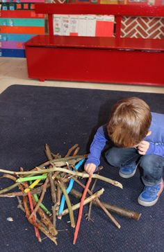 Mikado met takken Nature Activities, Craft Activities, Toddler Activities, Projects For Kids, Crafts For Kids, Outdoor Games For Kids, Apple Theme, Le Far West, Autumn Theme