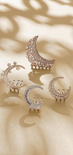 CHANEL 2015  paved crescent moon hair combs