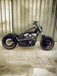 Urraca Kustoms Harley Davidson Street Bob with Voodoo Fender | Rocket Bobs