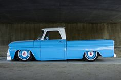 Chevy Old School Truck Chevy C10, 1966 Chevy Truck, Chevy Pickups, Chevrolet Trucks, Bagged Trucks, Lowered Trucks, C10 Trucks, Hot Rod Trucks, Dropped Trucks