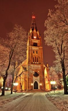 Mu Pori o kaunis, Pori Finland Keski-Porin kirkko Lofoten, Church Pictures, Cool Pictures, Helsinki, Cathedral Church, Arctic Circle, Baltic Sea, Place Of Worship, Best Cities