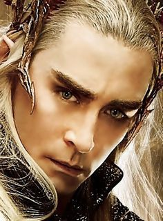 Lee Pace as Thranduil in The Hobbit Lee Pace Thranduil, Legolas And Thranduil, Gandalf, Legolas Father, The Hobbit Movies, O Hobbit, Tauriel, Elf King, Elfa