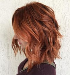 Red auburn hair for fall. Long bob or lob for fall Red auburn hair for fall. Long bob or lob for fall Aveda Hair Color, Hair Color 2017, Hair Color Shades, Hair Colour, Medium Hair Styles, Short Hair Styles, Medium Red Hair, Medium Cut, Hair Color Formulas