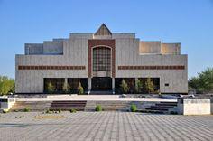 Atelier UlrichdB: Igor Savitsky saved railroad wagons of Kandinsky, ...
