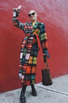 Elsa's clothes and outfits. Find out where to buy the exact clothes Elsa Hosk wore. Winter Fashion Outfits, Winter Outfits, Autumn Fashion, Retro Outfits, Cute Casual Outfits, Gucci Princetown, Diy Fashion Hacks, Clothing Hacks, Winter Looks